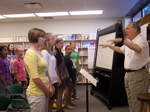 Selah Singers Rehearsal with Dr. Lusher